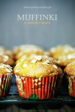 Muffinki z nektarynkami