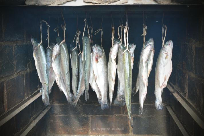 Wędzone pstrągi - jak wędzić ryby?