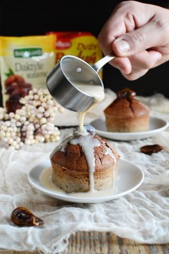 Pudding daktylowy z sosem krówkowym