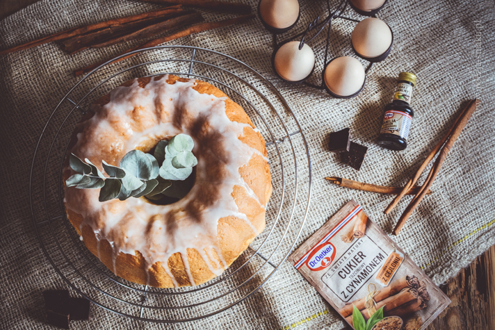 Zaparzana babka drożdżowa z czekoladą