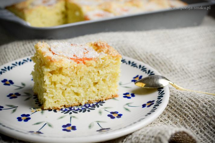 Szybkie ciasto z morelami i kokosem