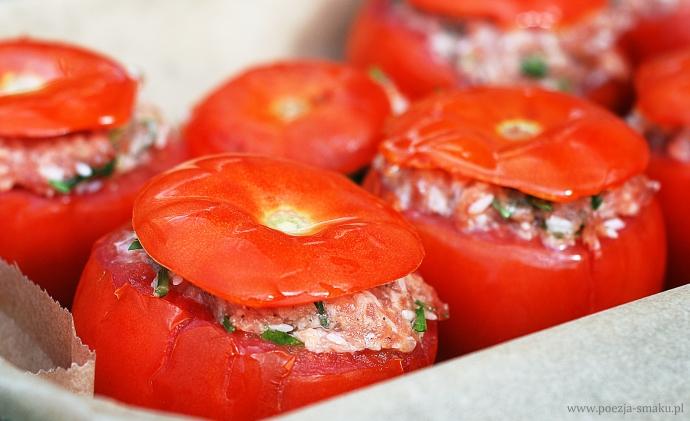 Faszerowane pomidory - przygotowanie