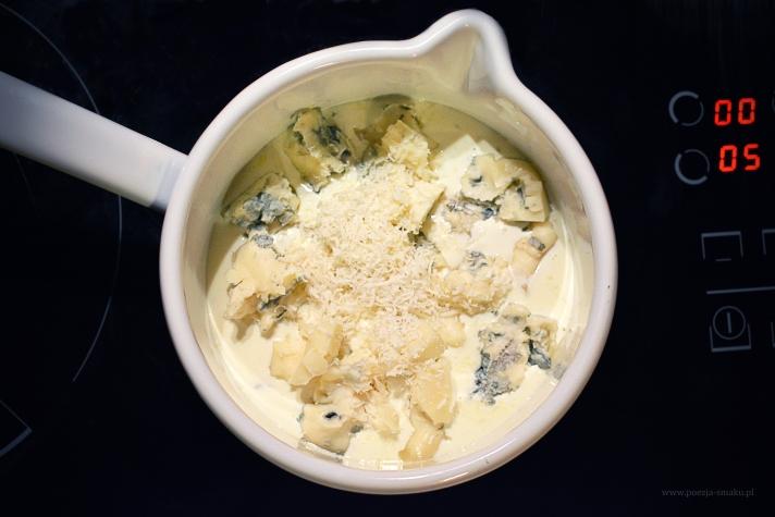 Roladki z indyka w sosie serowym