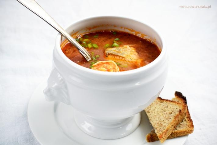 Zupa rybna z pomidorami