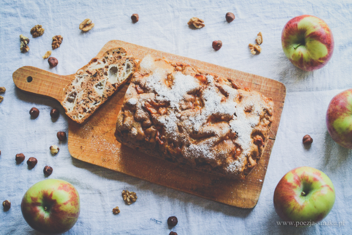 Ciasto wiewiórka z jabłkami i orzechami