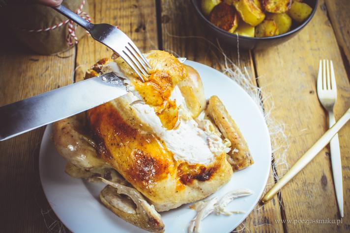 Kurczak pieczony w rękawie faszerowany wątróbką i chałką