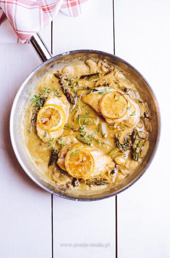 Kurczak ze szparagami w sosie cytrynowym