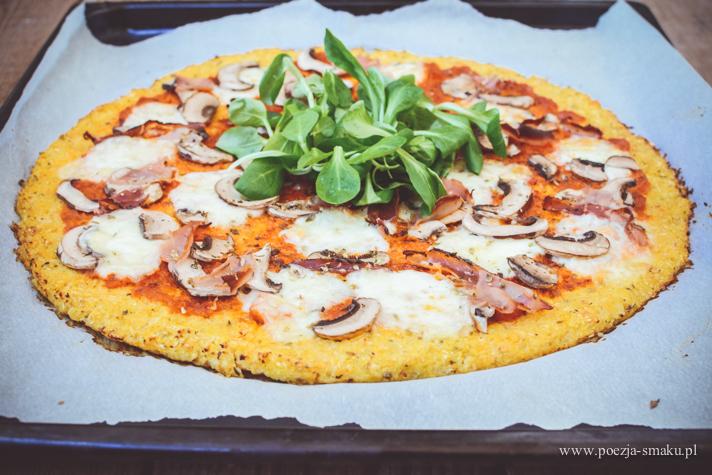 Pizza na spodzie z kalafiora