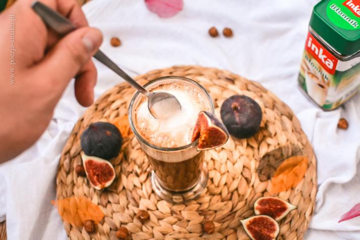 Jesienna kawa na mleku z orzechów laskowych z figami