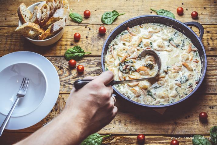 Krewetki toskańskie w sosie śmietanowo-czosnkowo-serowym