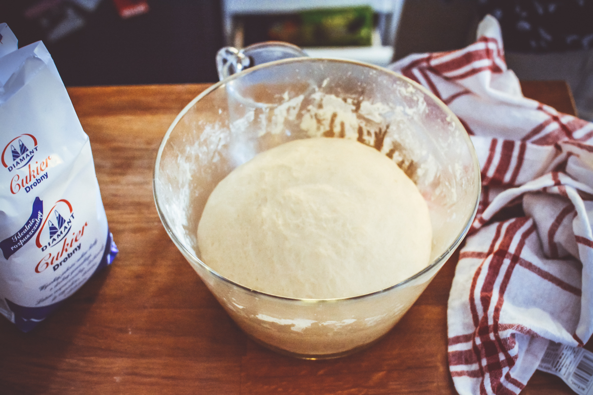 Kanelbullar - idealne drożdżówki z cukrową posypką