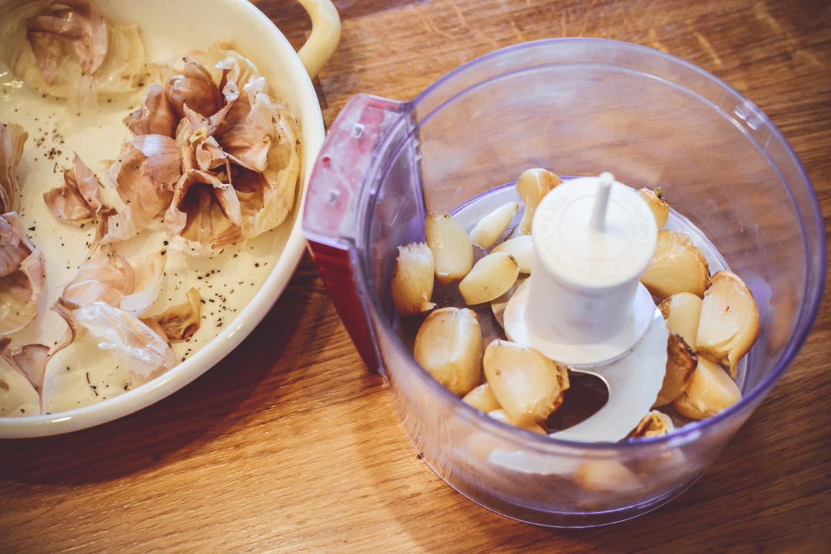 Rolada z karkówki z sosem chrzanowym