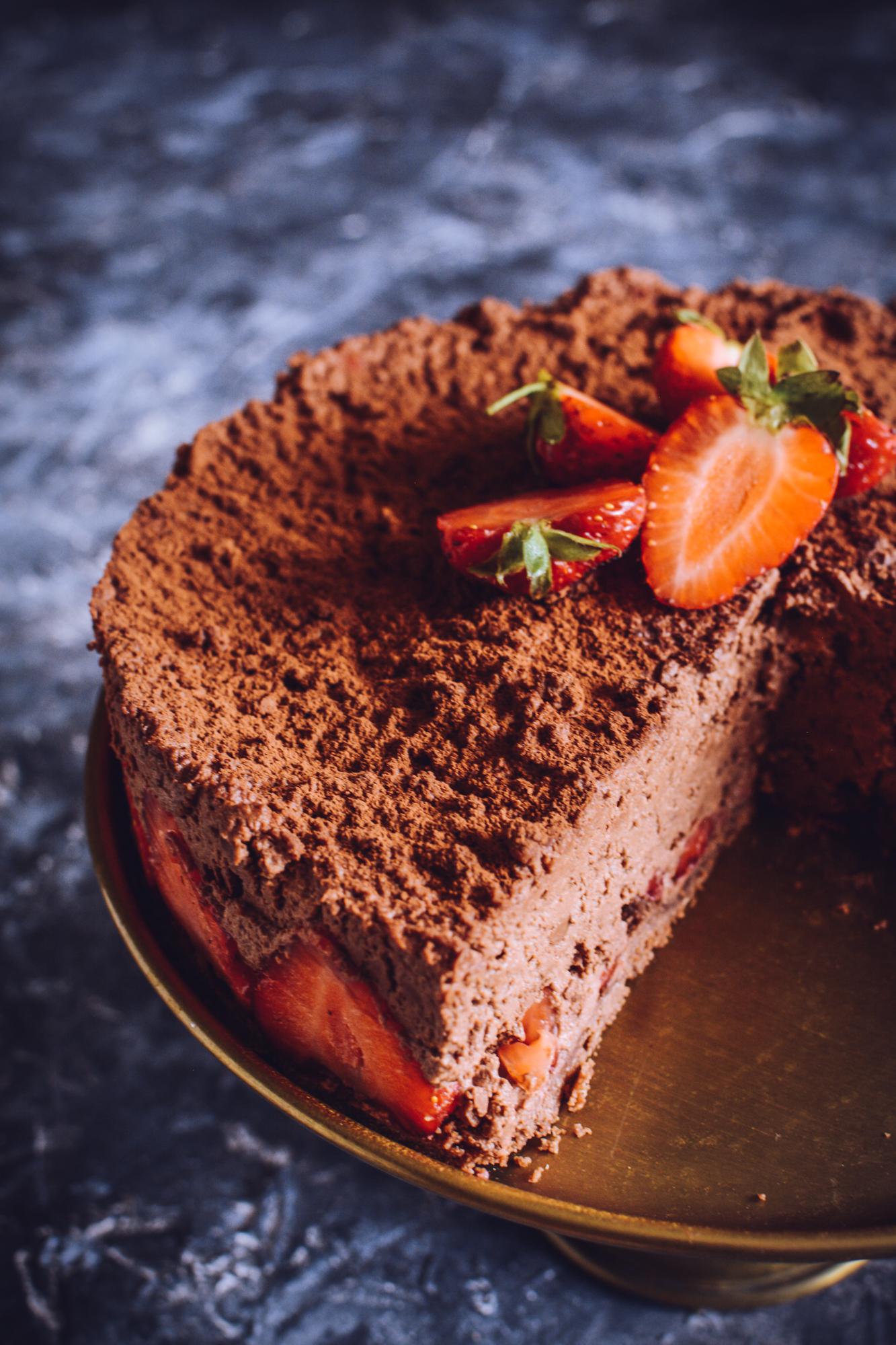 Mus czekoladowy z truskawkami