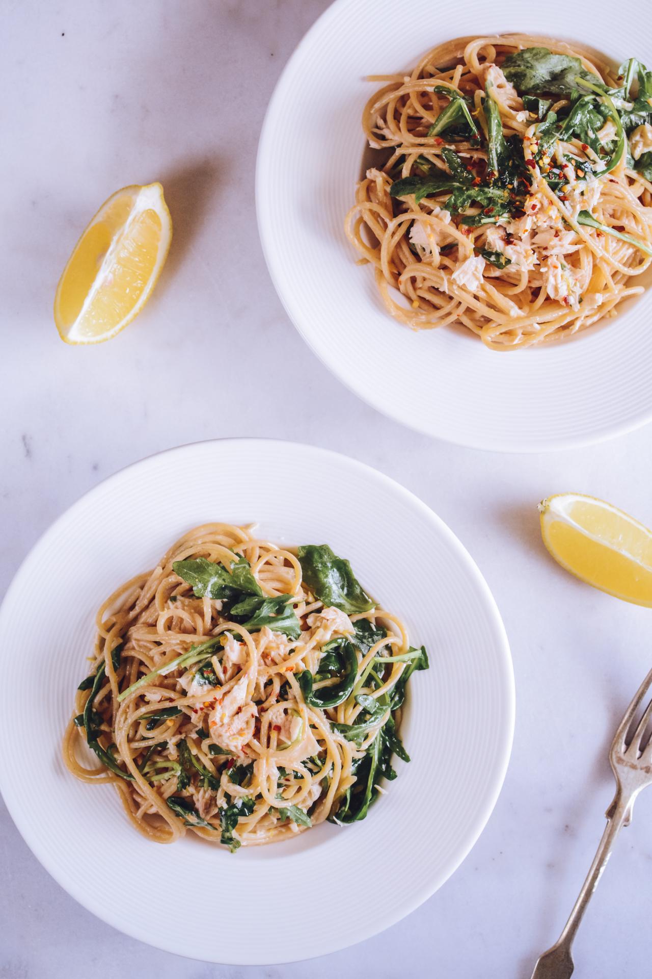 Spaghetti z tuńczykiem, cytryną i rukolą