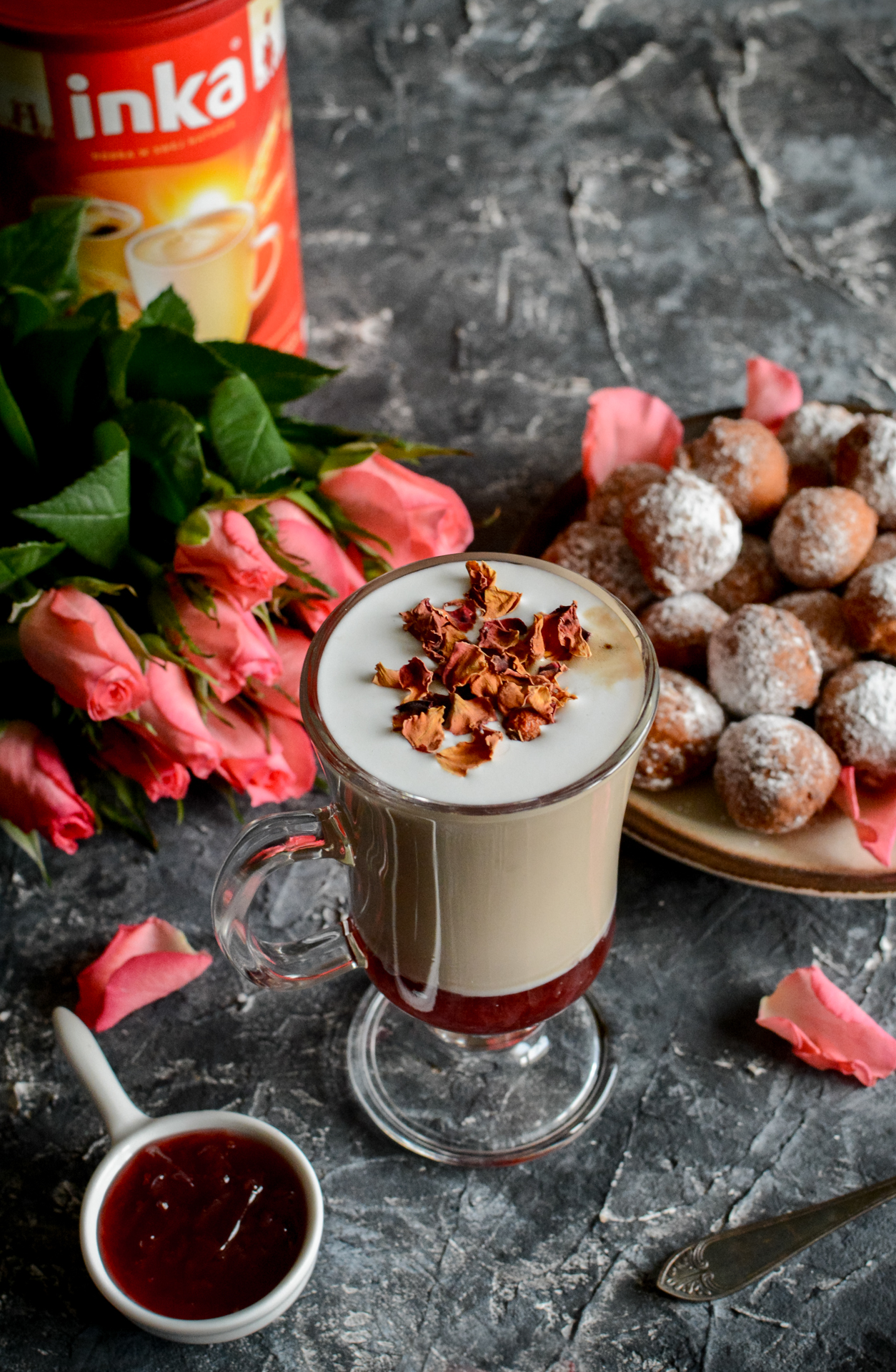 Różana kawa Inka i 15-minutowe pączkusie - mini pączki
