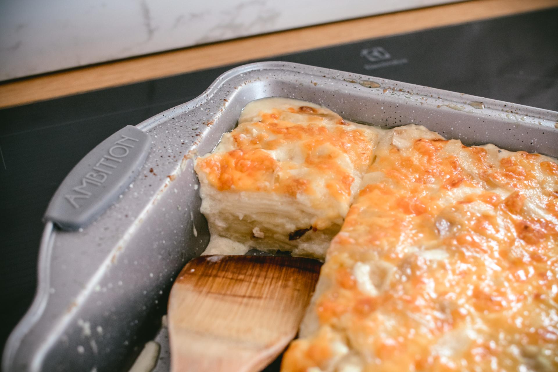 Jesienne dania - gratin ziemniaczane z grzybami