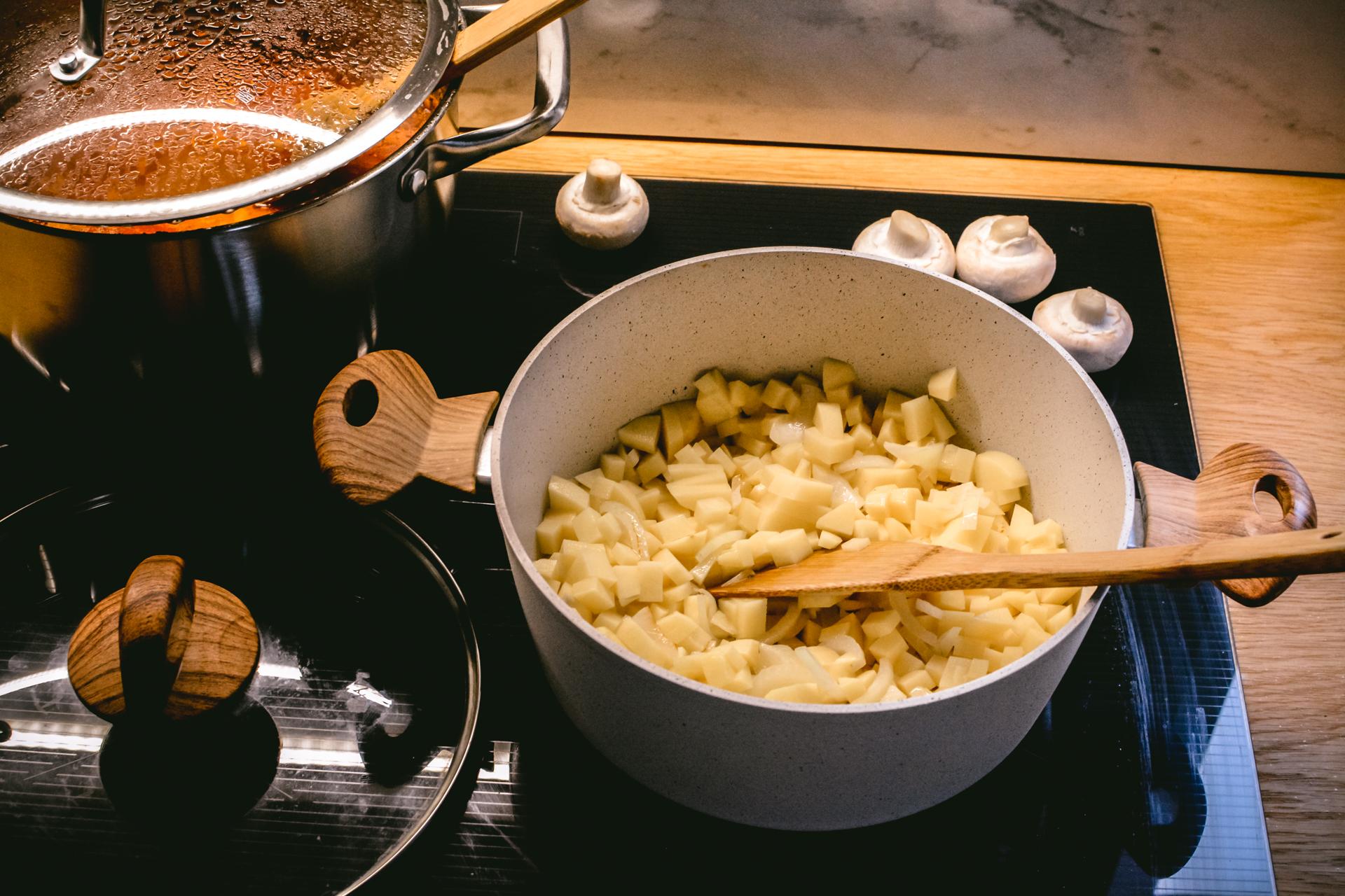 Jesienne dania - krem z pieczarek