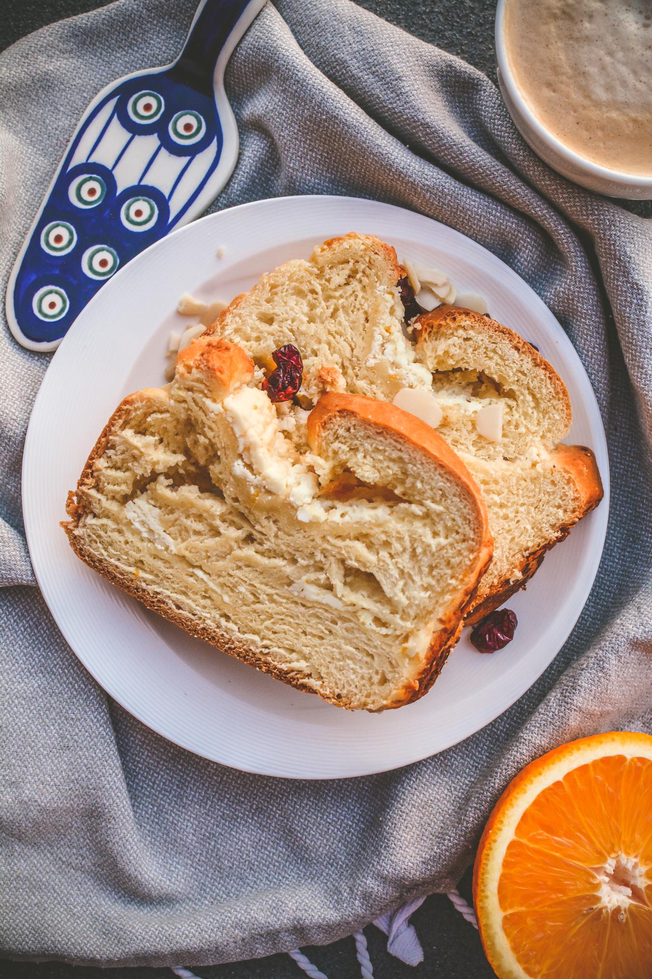 Drożdżówka z serem - strucla serowa