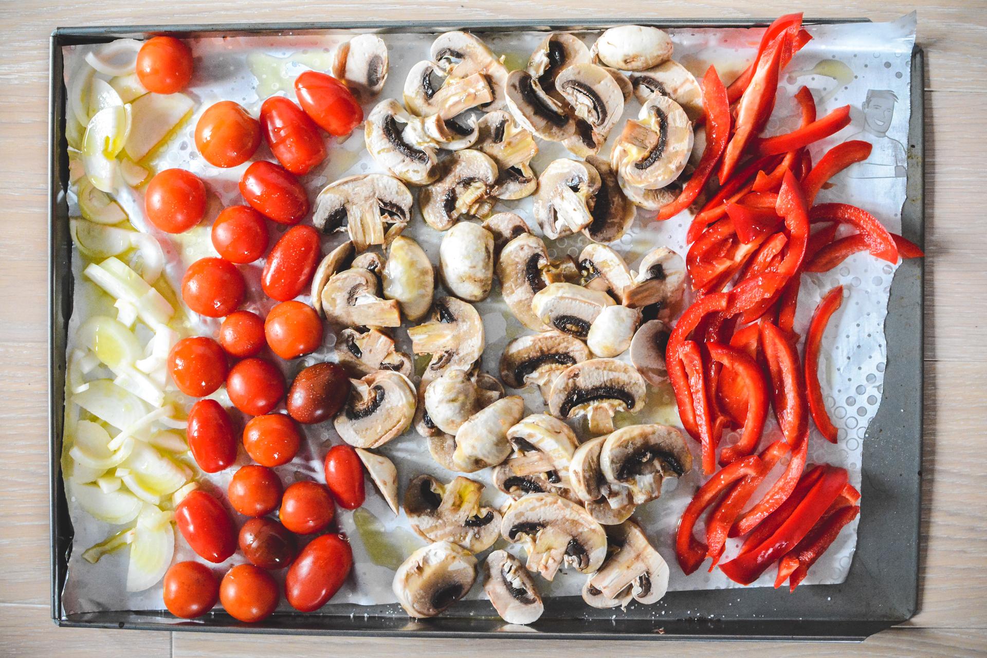 Makaron z sosem z pieczonych warzyw - sos