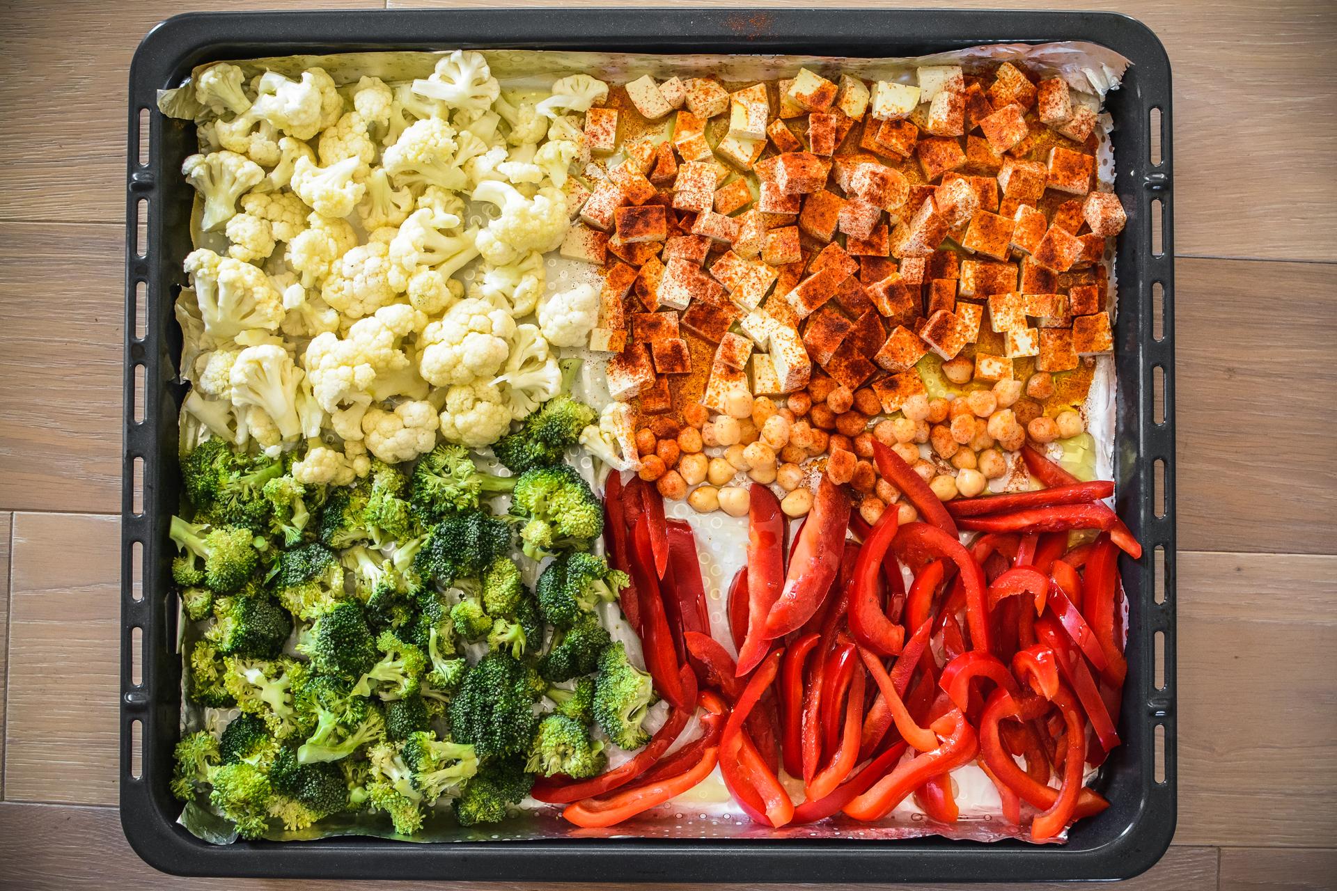 Miska zdrowia z pieczonymi warzywami i tofu 1