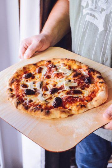 Łatwa pizza neapolitańska - prosta pizza włoska - najlepsza w domowym piekarniku - pyszna