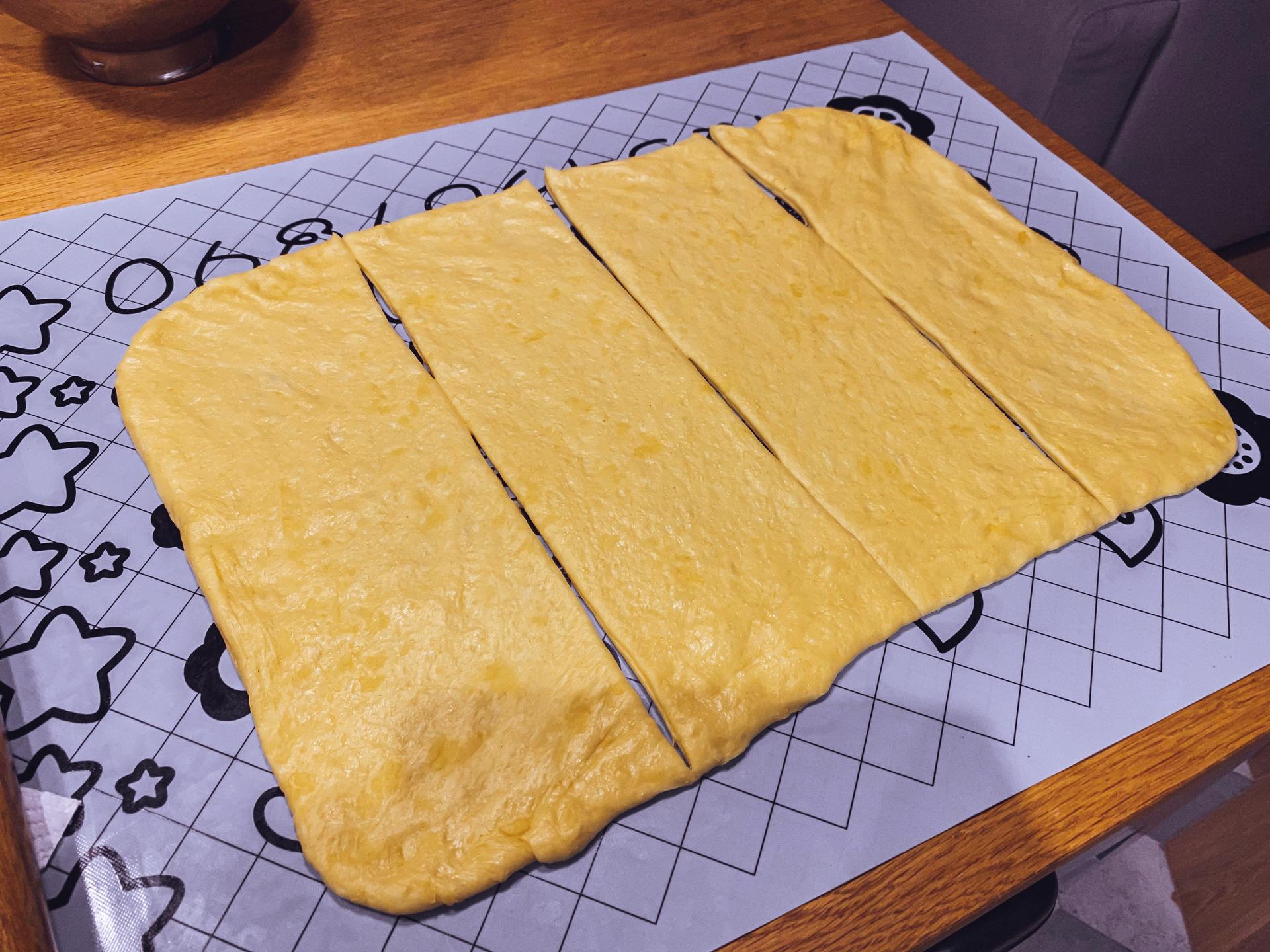 Paszteciki z kapustą i pieczarkami - ciasto
