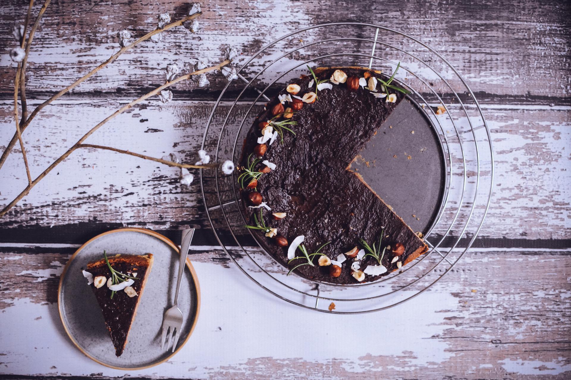 Sernik truflowy - z orzechami laskowymi