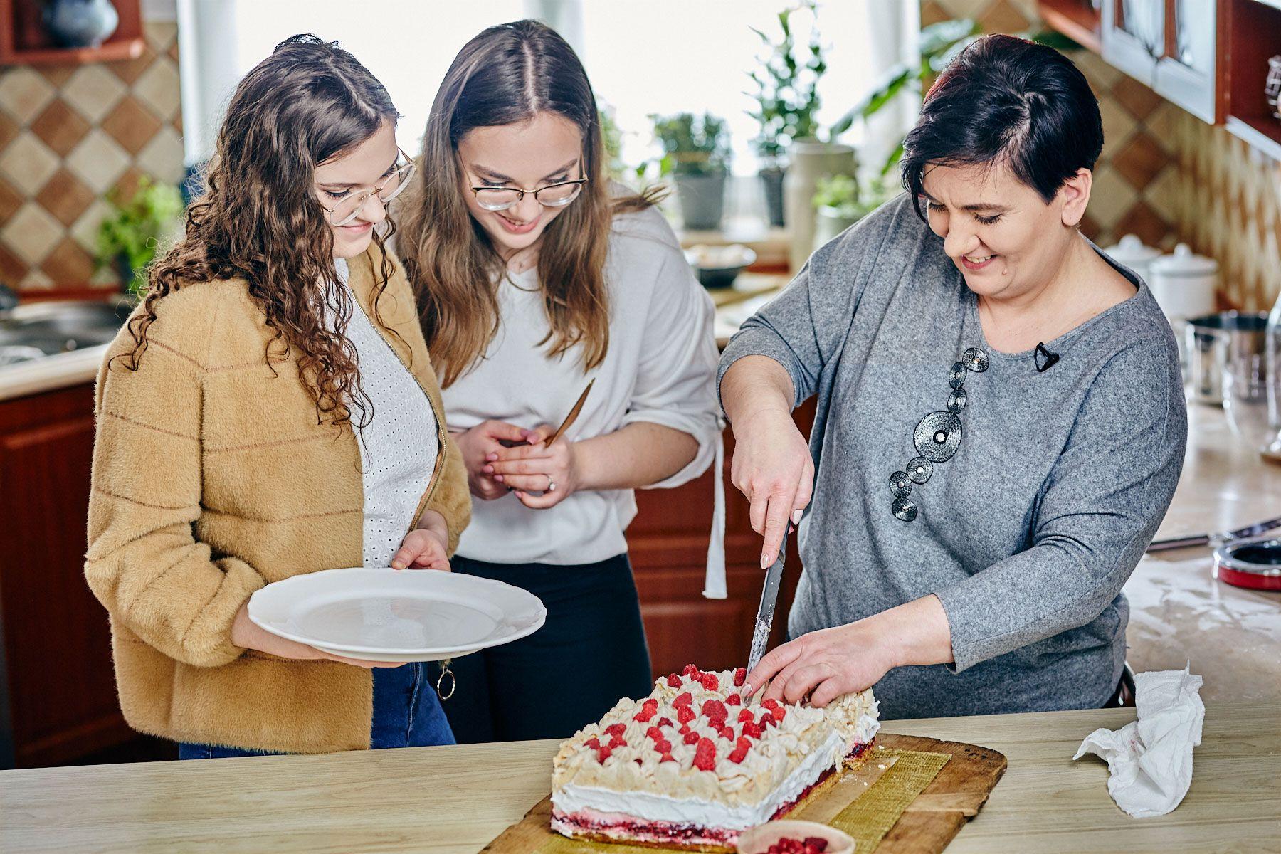 Ania Rafałowicz - Kobieta Almette - z córkami