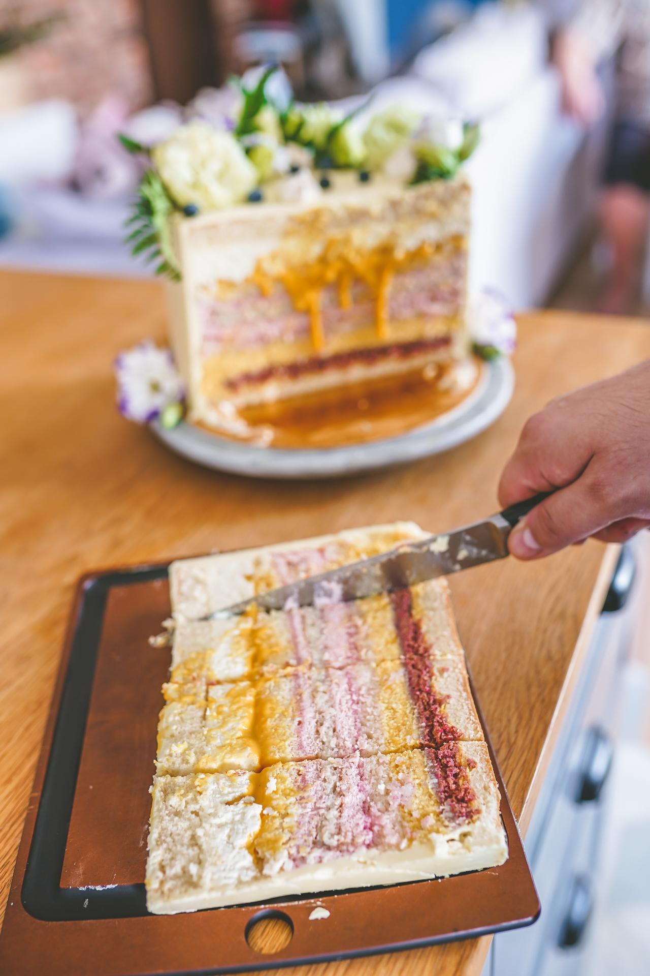 Tort - krojenie